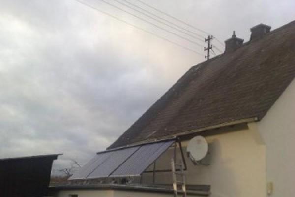solaranlage-in-briken-honigsessenECCD2966-4C6D-2696-92BC-3F37C49D4DF6.jpg