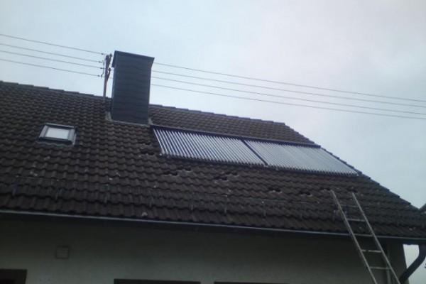 solaranlage-heizungsunterstützt-in-katzwinkel-2BCE23C61-028A-7E03-2309-CBA936DD2E49.jpg
